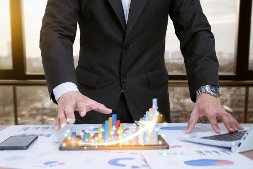 Franquia, licenciamento e representação comercial: quando escolher um ou outro formato de negócio para expandi-lo?