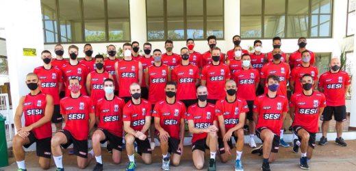 Com retorno de pratas da casa, equipe masculina de vôlei do Sesi-SP dá início na preparação para temporada 2021/2022