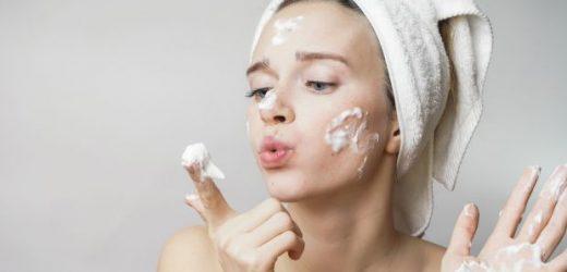 6 Produtos De Beleza Que Estão Detonando A Sua Pele E Você Nem Imagina
