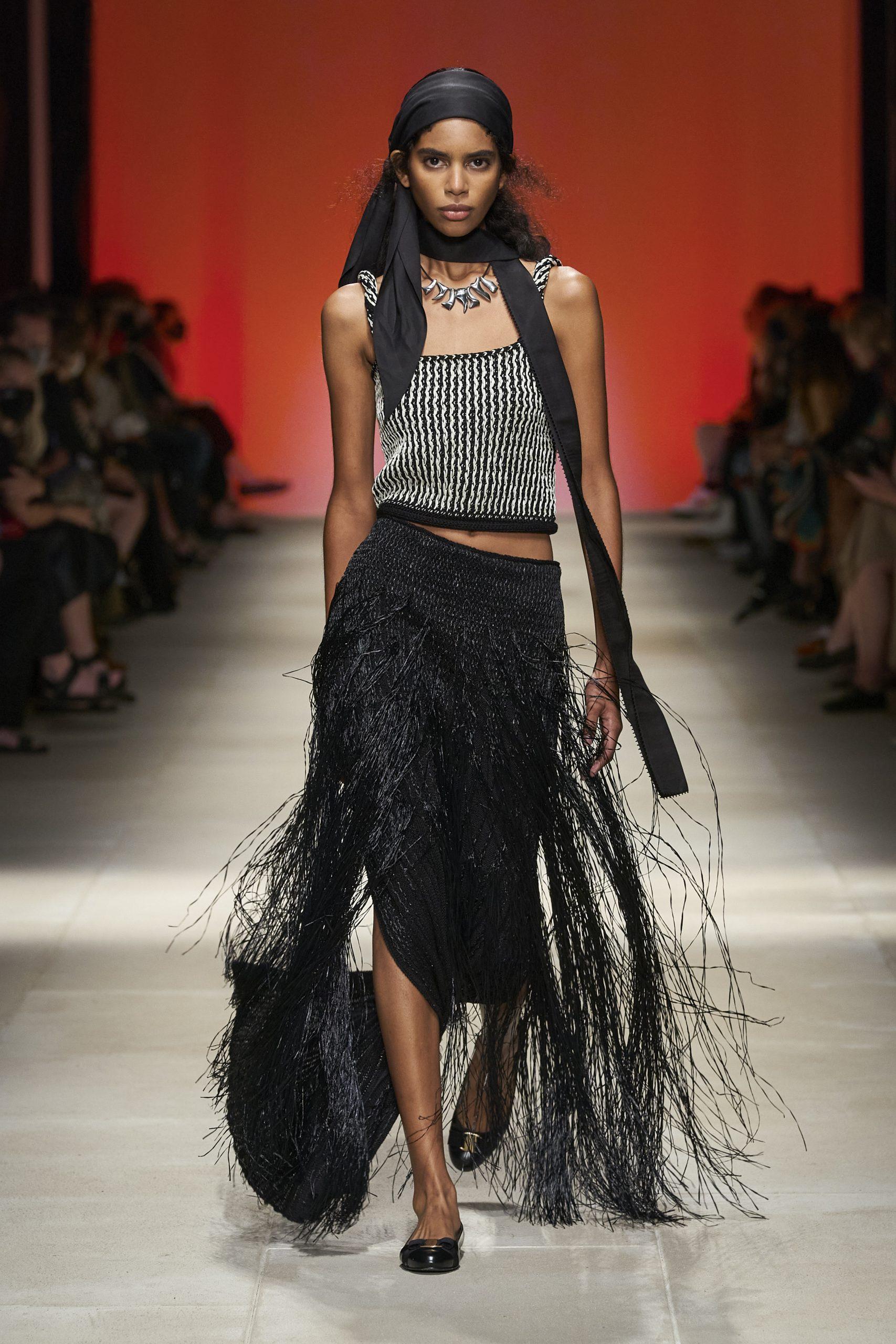 Salvatore Ferragamo Apresenta Sua Coleção SS22 Na Semana De Moda De Milão